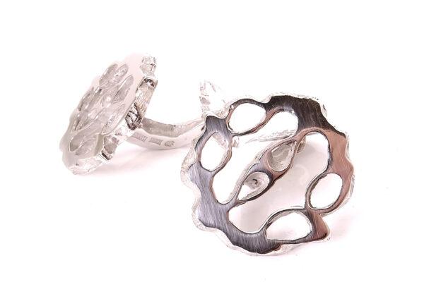Manchetknappar i silver i valnötsform